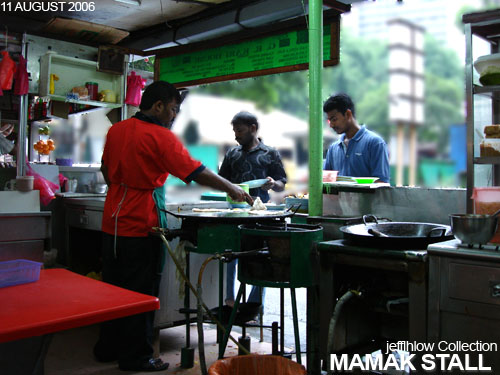 mamak stall For certain maggi goreng dishes, seafood ingredients such as prawn and fish are added based on certain customers' request in mamak food stalls there is no standard method of preparing these noodles, as each stall has different techniques and ingredients.
